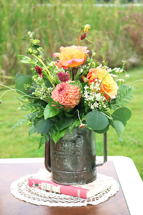 watering can centerpiece @weddingchicks