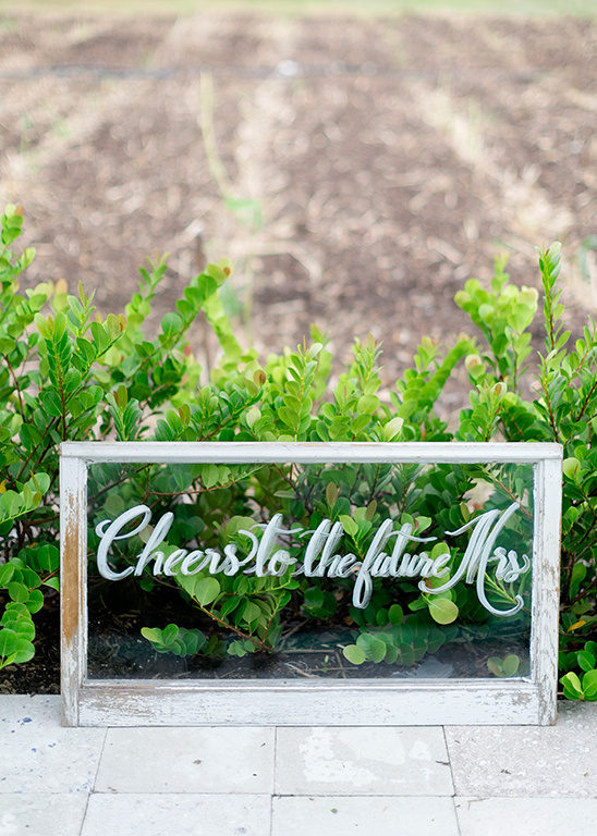 bridal brunch sign @weddingchicks