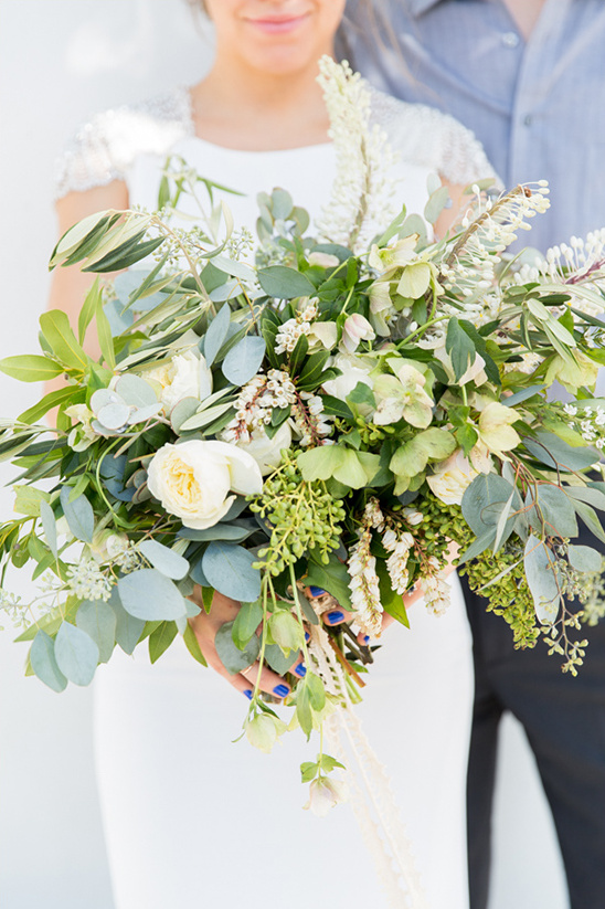 greenery wedding bouquet @weddingchicks