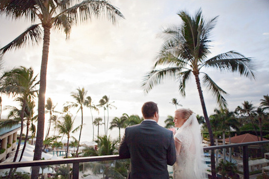 Hawaii wedding @weddingchicks