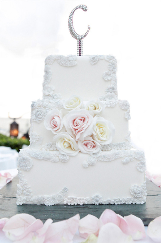 glam wedding cake @weddingchicks