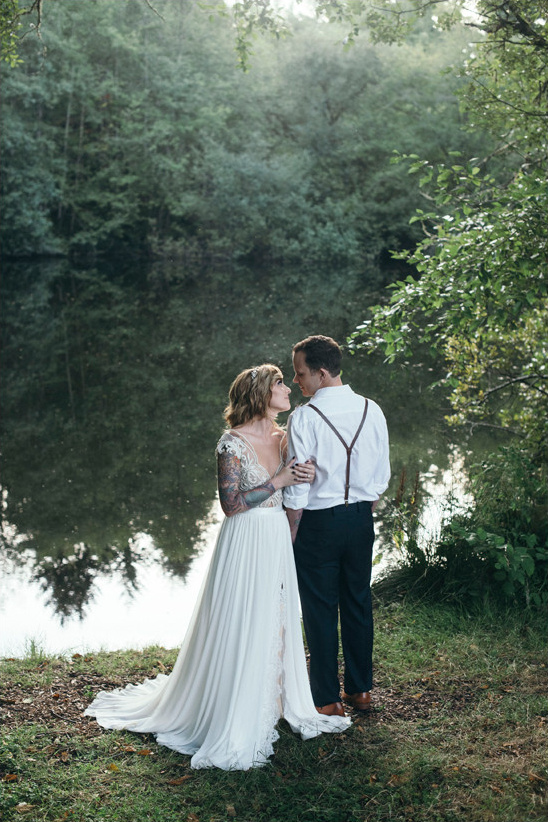 Wedding Photography Styles: Intimate Outdoor Family Style Wedding