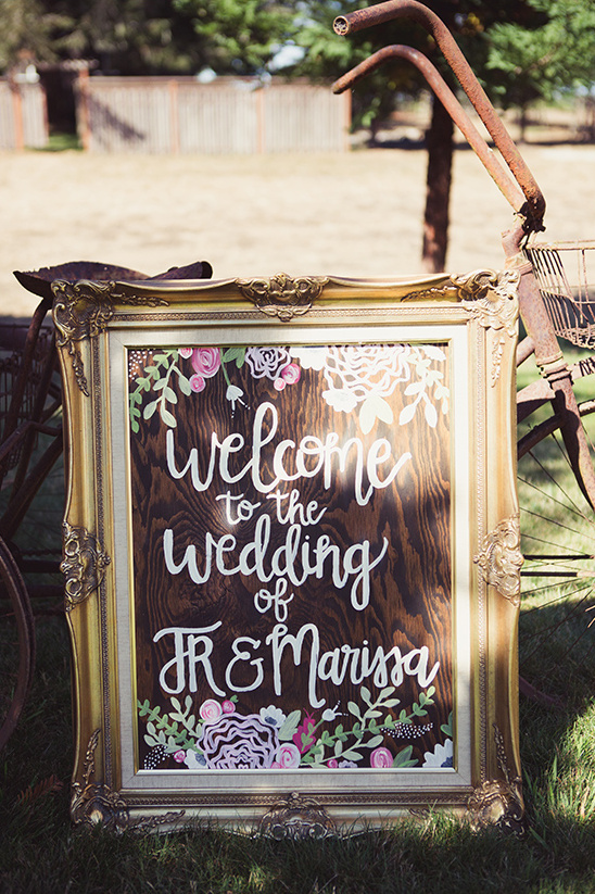 welcome wedding sign @weddingchicks