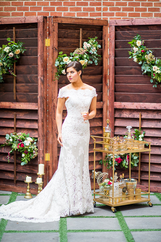 white lace wedding gown @weddingchicks