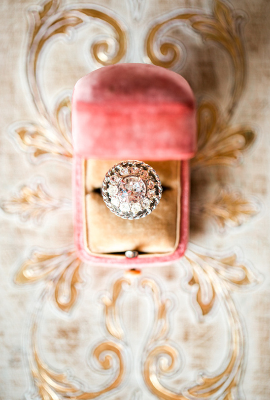 stunning vintage wedding ring @weddingchicks