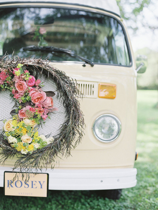 vintage wedding ideas @weddingchicks