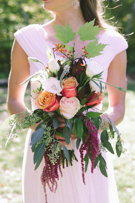 fall bouquet roses @weddingchicks