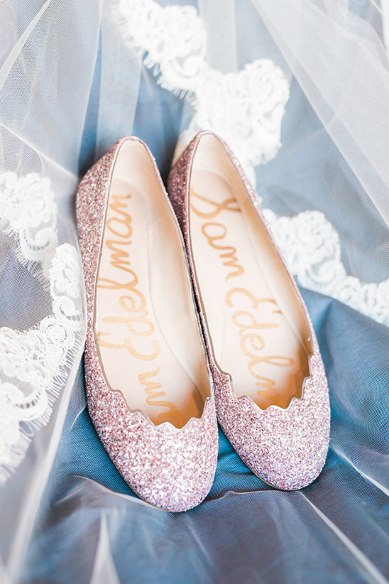 sparkly pink wedding shoes @weddingchicks