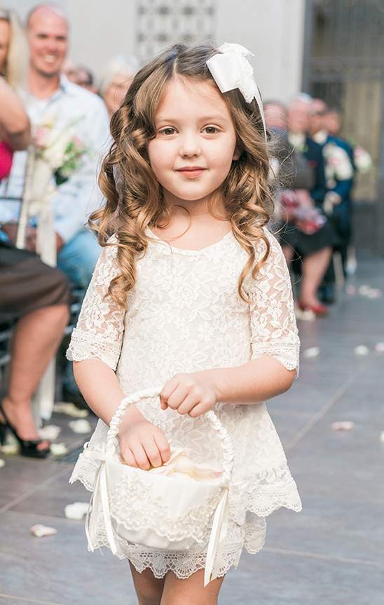 cute flower girl @weddingchicks