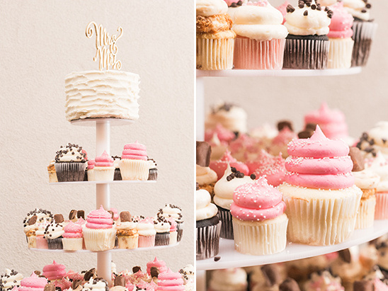 wedding cupcake tower @weddingchicks