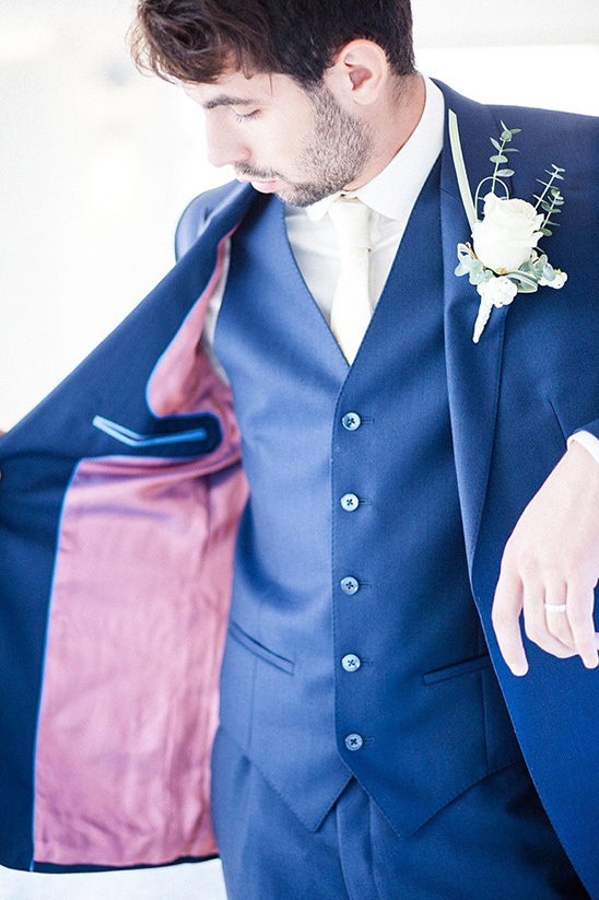 navy blue groomsmen attire @weddingchicks