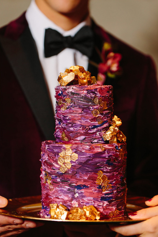 purple and gold wedding cake @weddingchicks