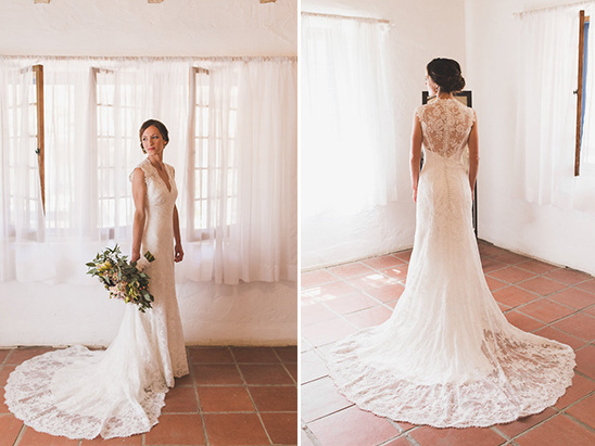 lace wedding dress details @weddingchicks