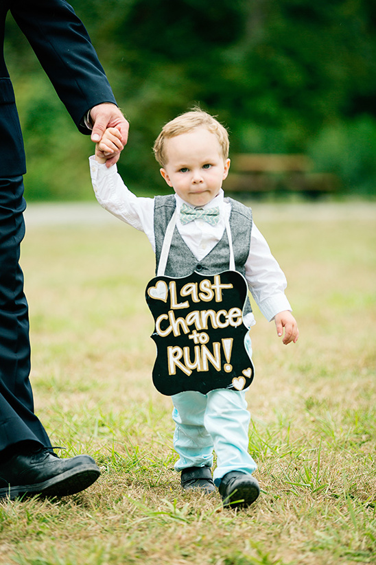 last chance to run wedding sign @weddingchicks