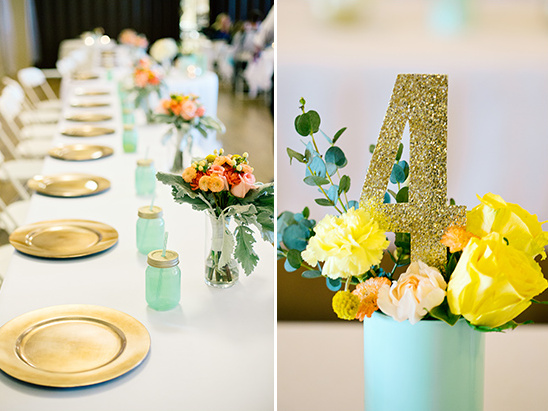 gold glitter table numbers @weddingchicks