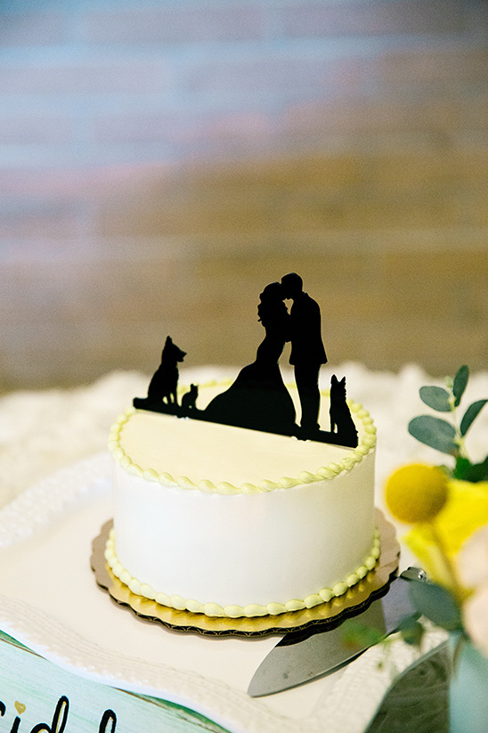 silhouette cake topper idea @weddingchicks