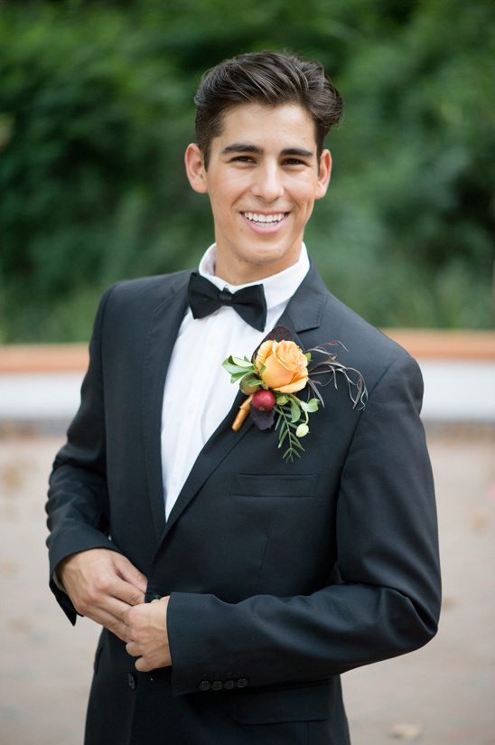 tuxedo groom @weddingchicks