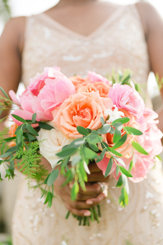 orange and pink bouquet @weddingchicks