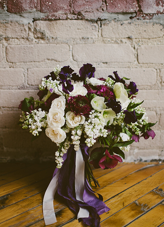 deep purple and white wedding bouquet @weddingchicks