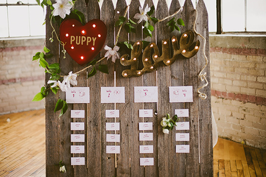 vintage fence seating chart idea @weddingchicks