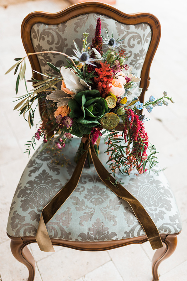 unique organicn bouquet @weddingchicks