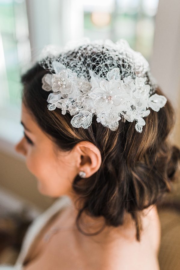 beautiful birdcage veil @weddingchicks