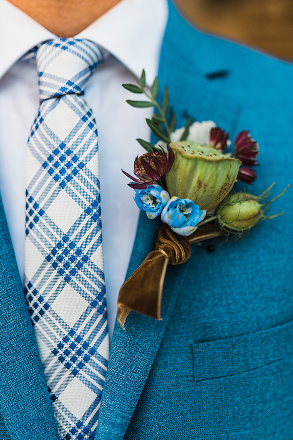 seed pod boutonniere @weddingchicks