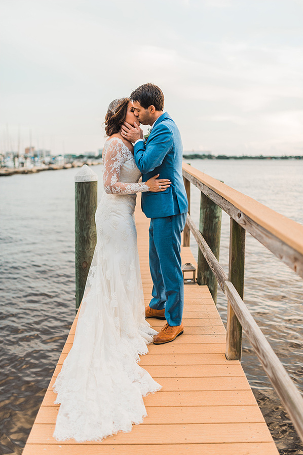 a kiss on the docks @weddingchicks