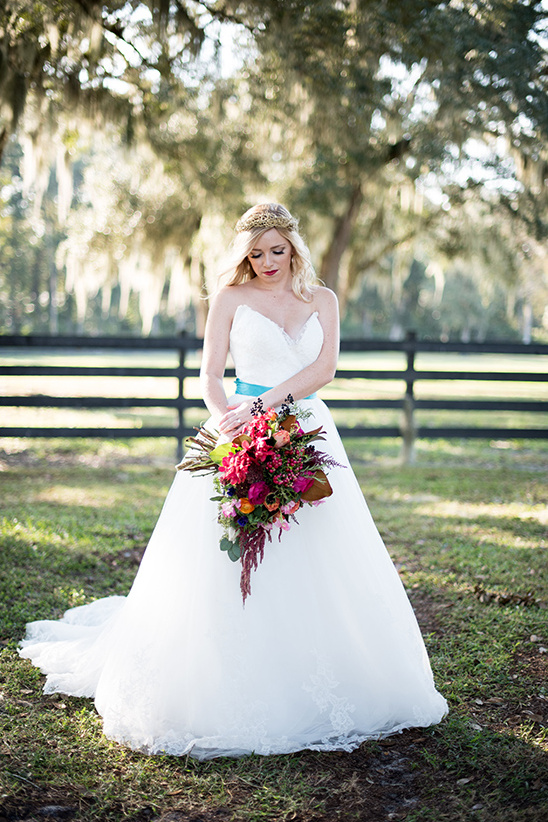 fall bridal look @weddingchicks
