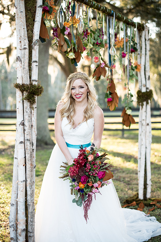 wedding arch @weddingchicks