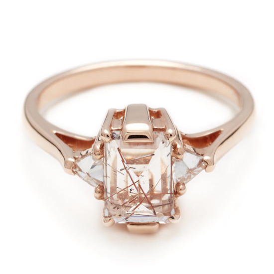 rose gold diamond engagement ring @weddingchicks