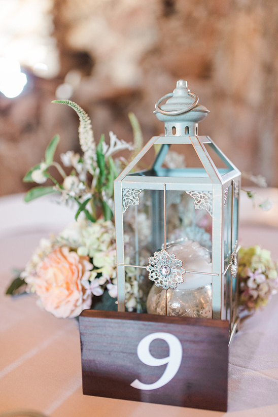 lantern centerpiece ideas @weddingchicks