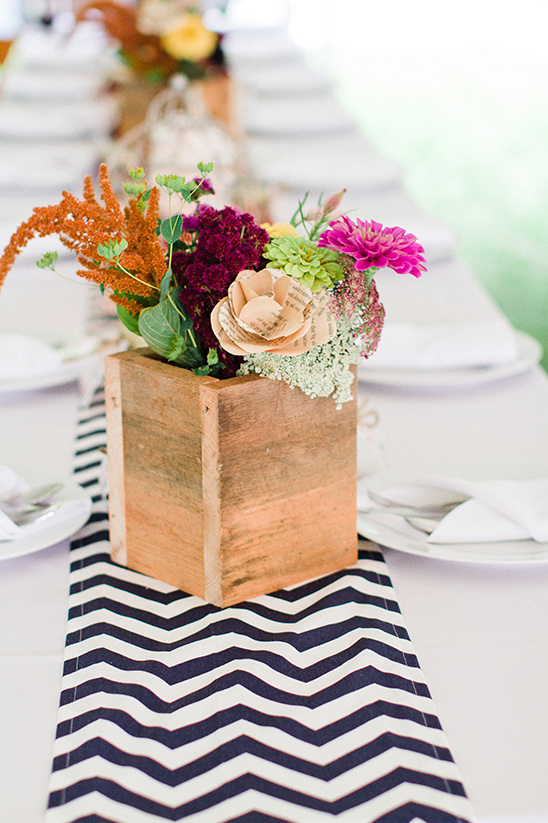 flower box centerpiece idea @weddingchicks