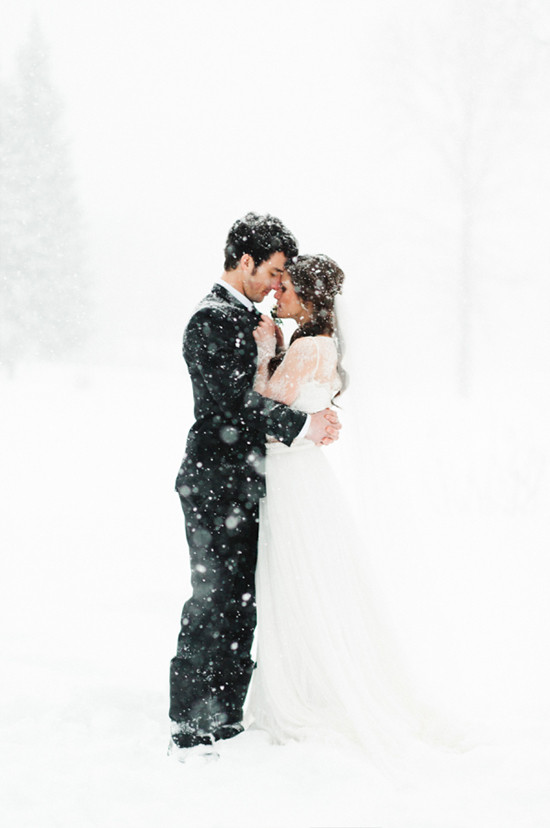 winter wedding ideas @weddingchicks