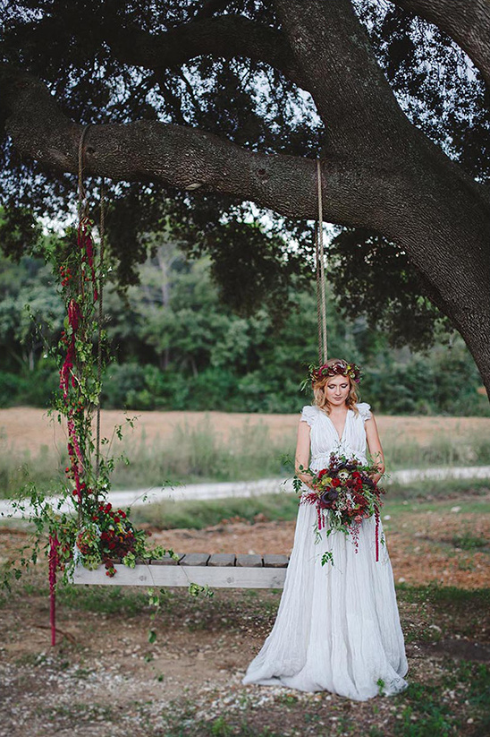 boho bridal swing @weddingchicks