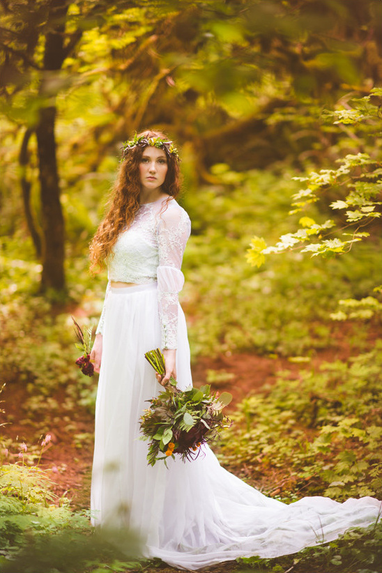 bohemaian wedding dress @weddingchicks