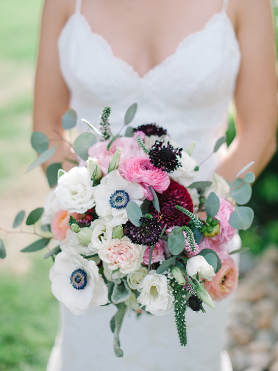 pink red and white wedding bouquet @weddingchicks