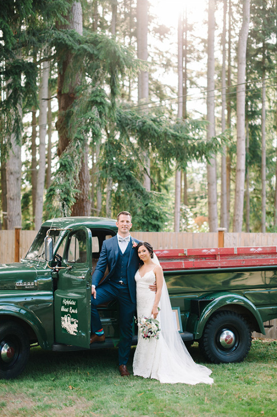 green vintage getaway truck @weddingchicks