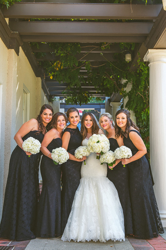 bridesmaids in black @weddingchicks
