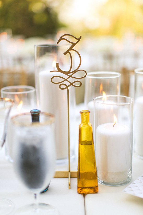 gold table numbers @weddingchicks
