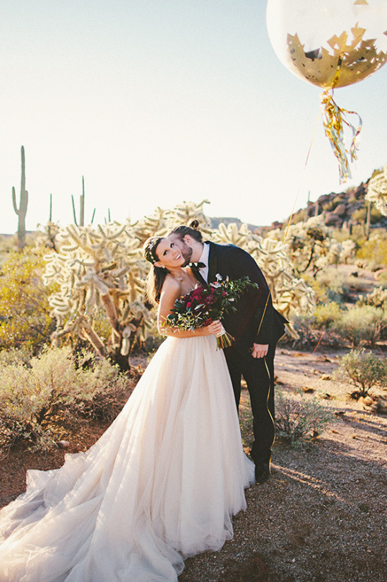 desert wedding photo @weddingchicks