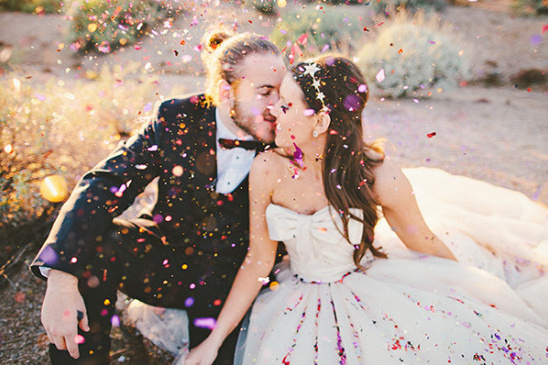 wedding confetti @weddingchicks