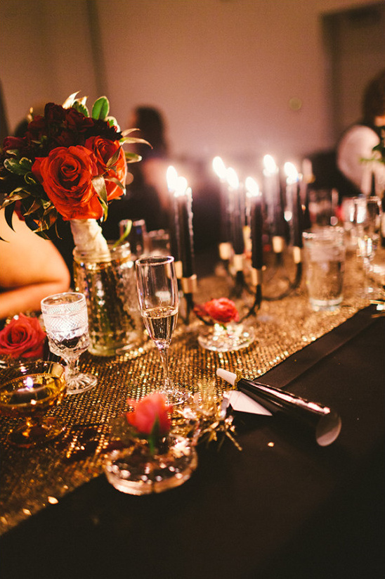 gold and black table @weddingchicks