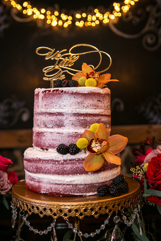 red velvet naked wedding cake @weddingchicks