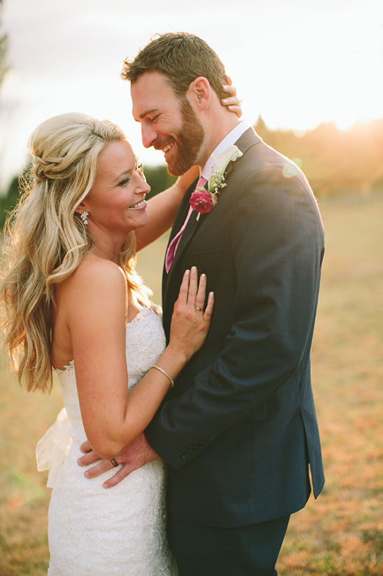 gorgeous Washington ranch wedding @weddingchicks