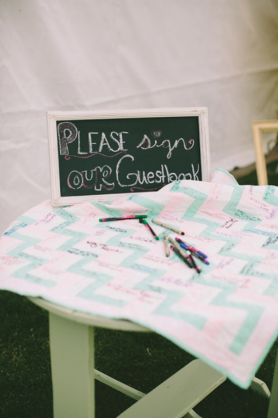 blanket guest book idea @weddingchicks