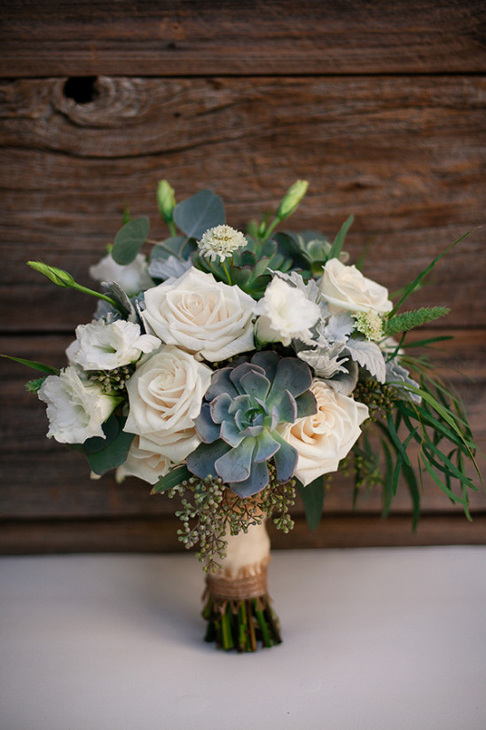 rose and succulent wedding bouquet @weddingchicks
