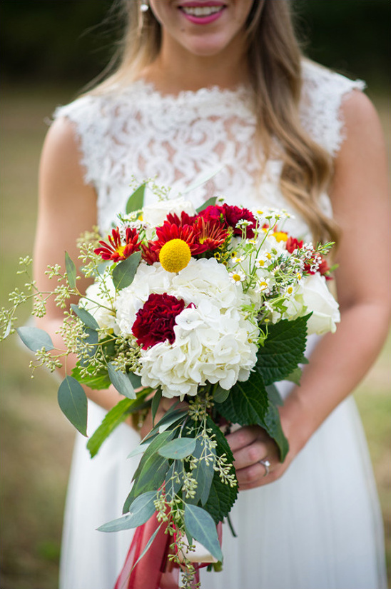 red and yellow bouquet @weddingchicks