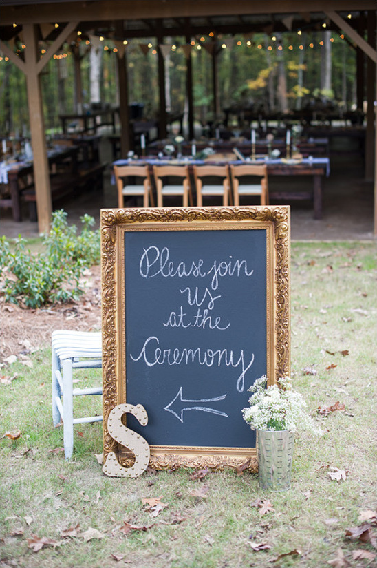 wedding ceremony sign @weddingchicks