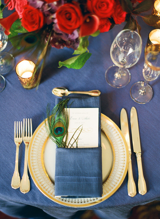 gold and blue place setting @weddingchicks